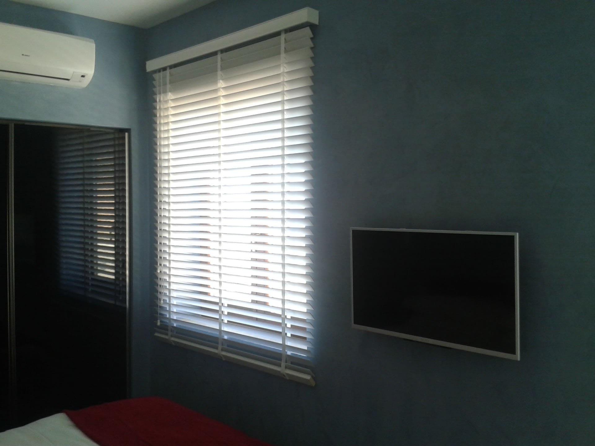Gozo Verticals & Shades Ltd - Blinds-Venetian, Vertical, Etc